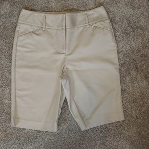 Dana Buchman Khaki Shorts
